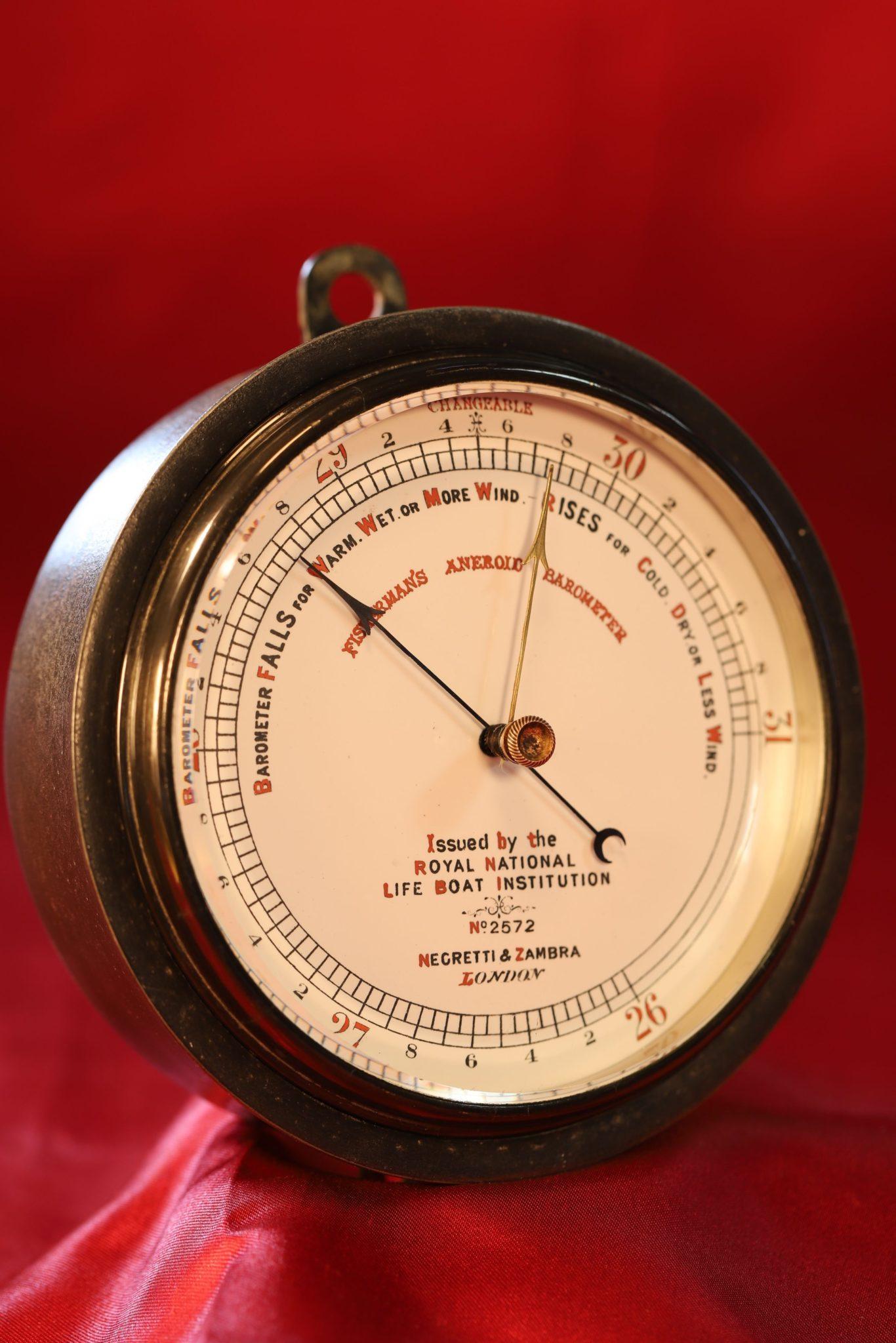 Image of Negretti & Zambra RNLI Marine Barometer No 2572