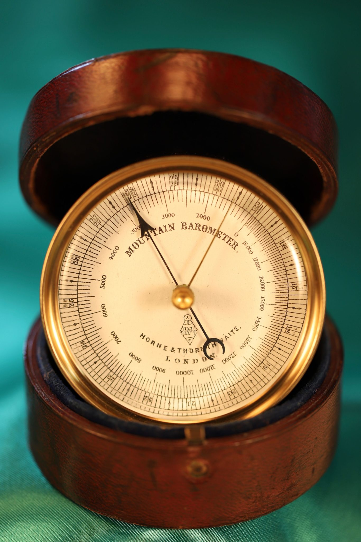 Image of Horne & Thornthwaite Mountain Barometer