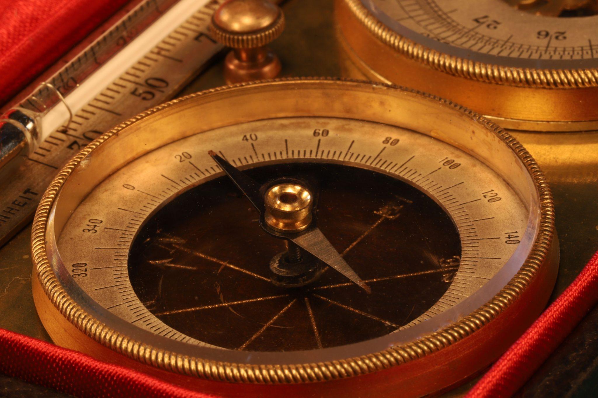 Image of French Tourist Pocket Barometer Compendium