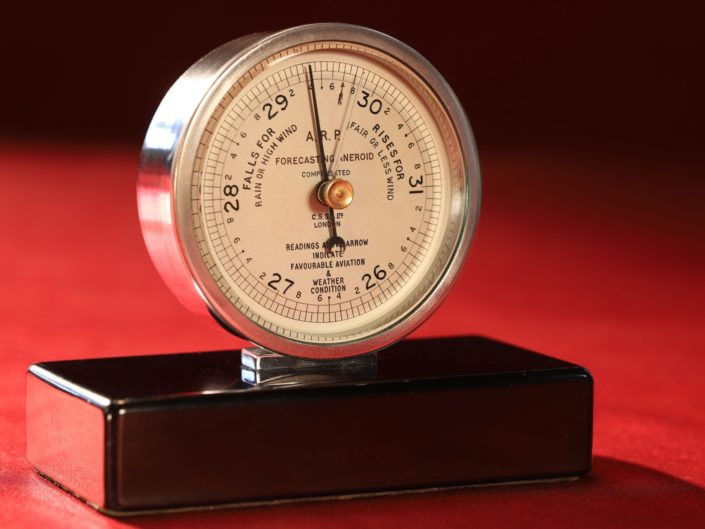 UNUSUAL AIR RAID PRECAUTIONS ANEROID BAROMETER BY NEGRETTI & ZAMBRA c1940 - Sold