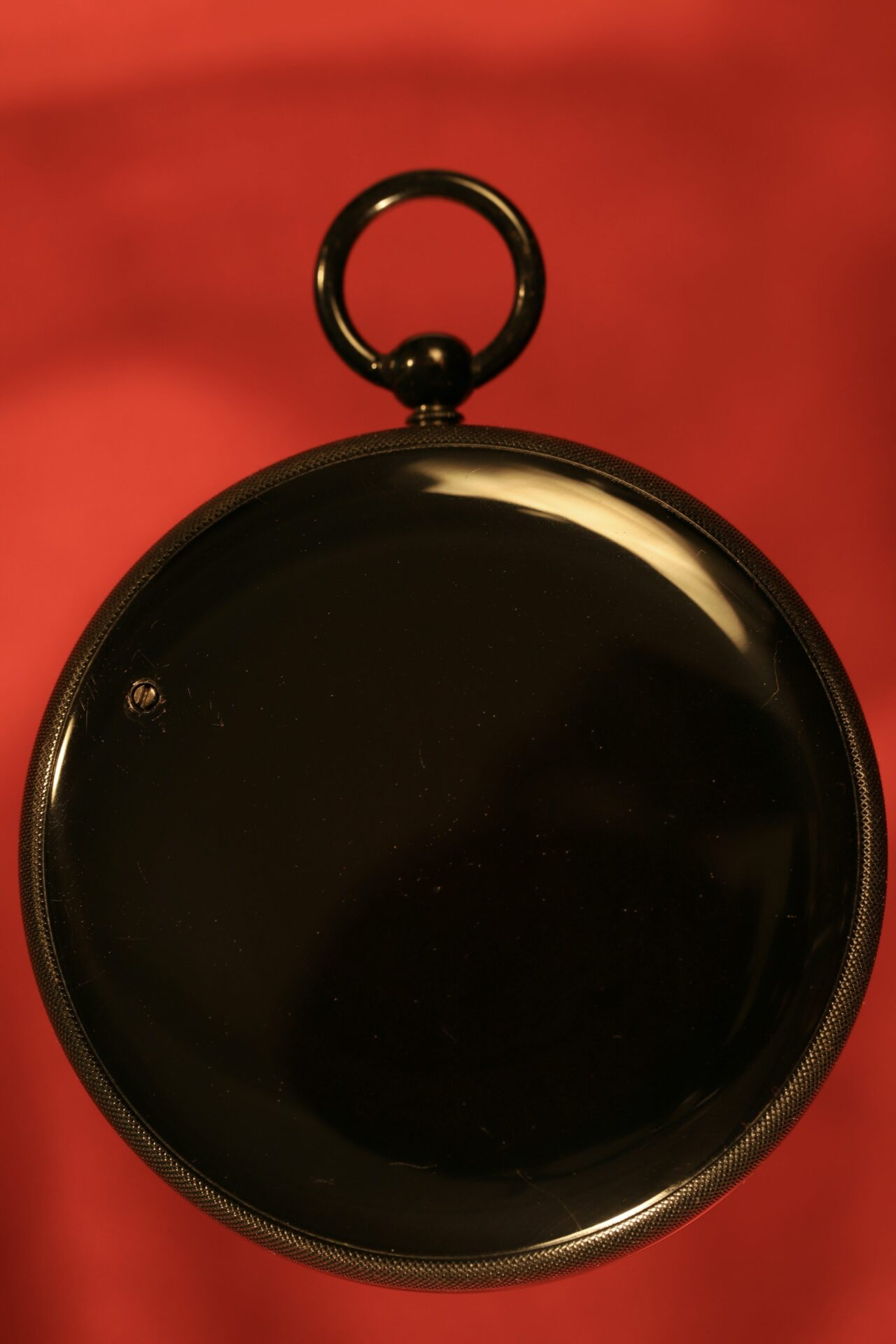 Image of reverse of French Scientific Pocket Barometer Altimeter c1890, showing the high gloss black japanned finish