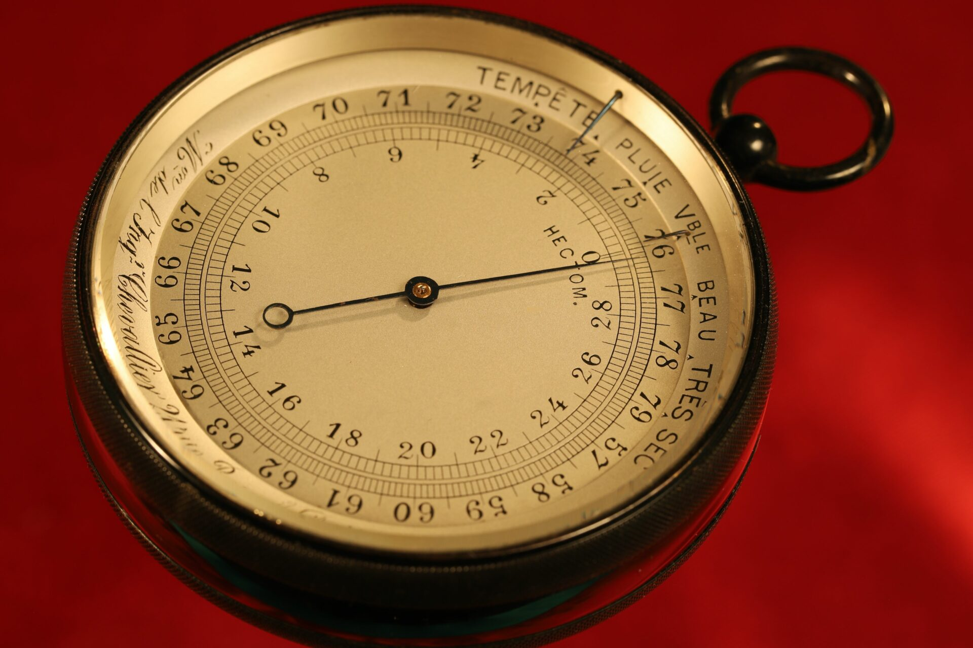 Image of the dial of French Scientific Pocket Barometer Altimeter c1890, from the side