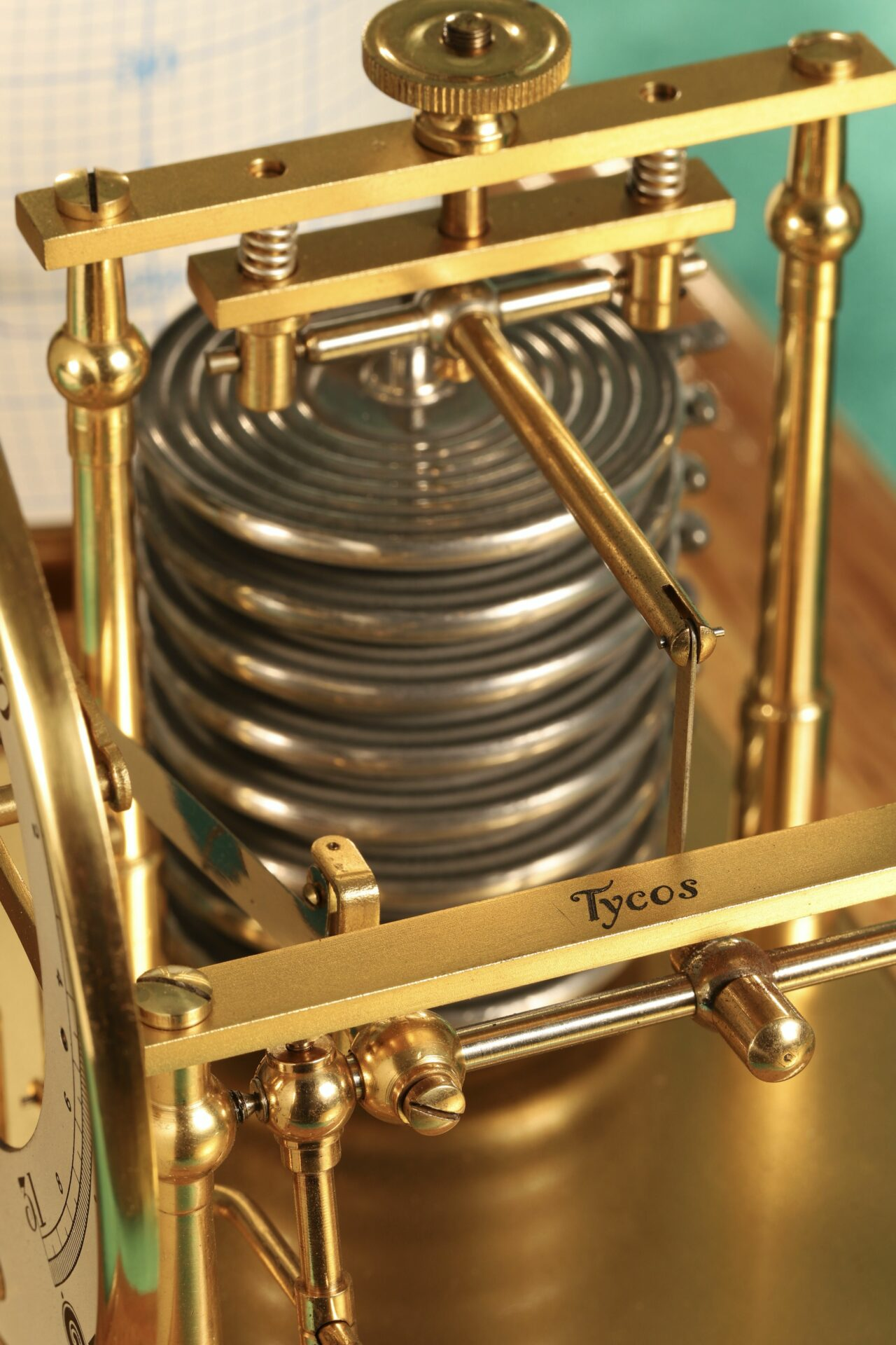 Close up of Short & Mason Tycos Drum Barograph with Dial No 5431 c1930 with case lid removed, showing 'Tycos'