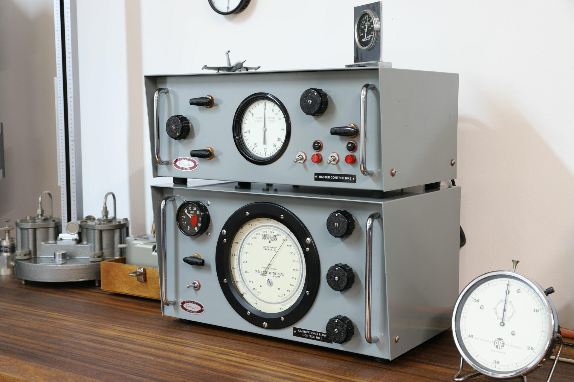 Image of Vavasseur Laboratory Test Equipment calibration units and Negretti & Zambra precision test barometer