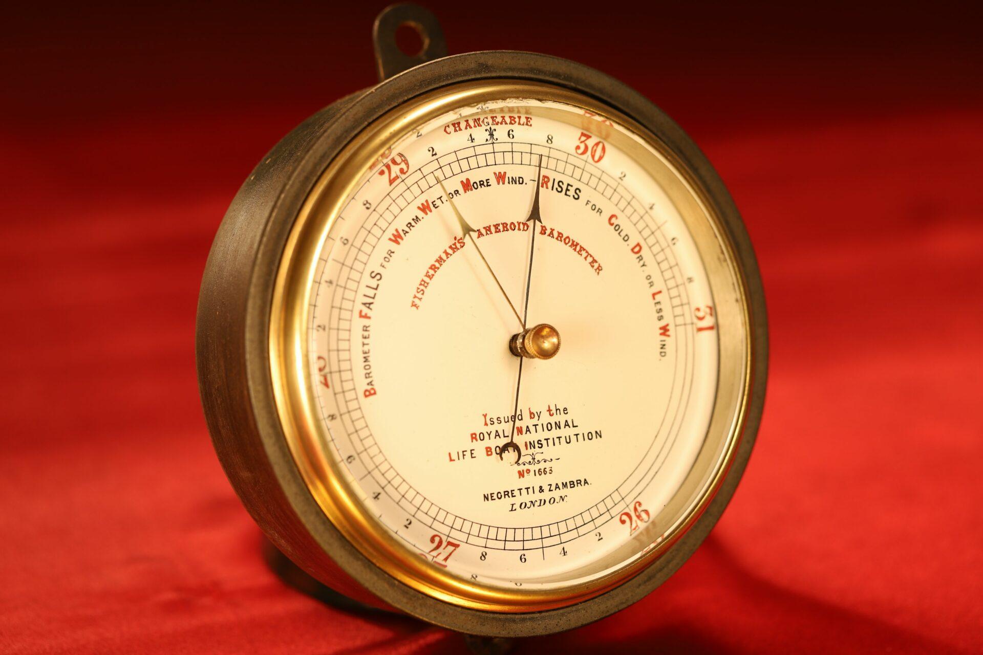 Image of Negretti & Zambra RNLI Fishermans Aneroid Barometer No 1663 taken from lefthand side