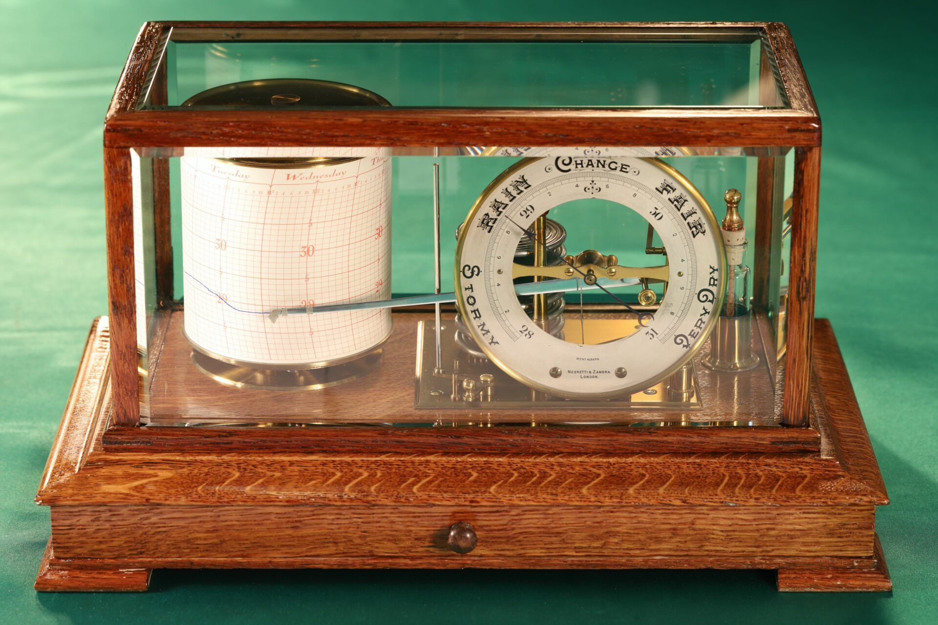 Image of Negretti & Zambra Barograph with Dial No 455 c1918 taken from front