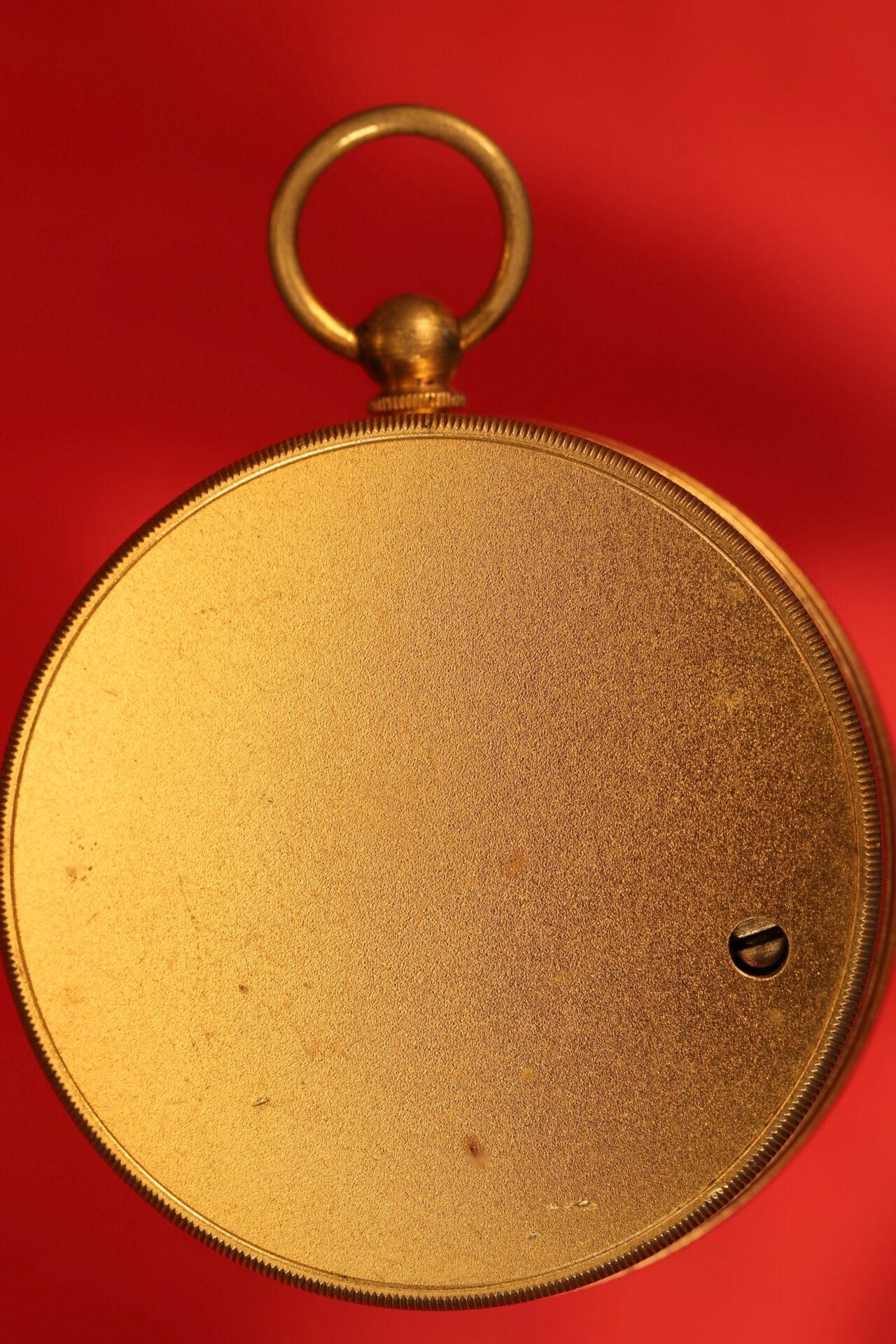 Image of reverse of Newton Pocket Barometer No 1082