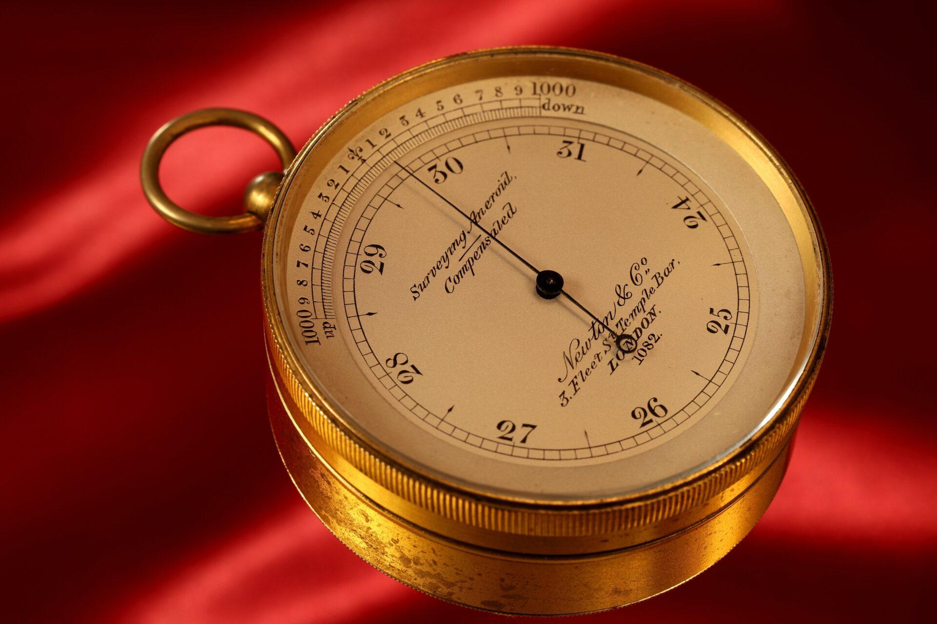 Image of Newton Pocket Barometer No 1082 taken from lefthand side