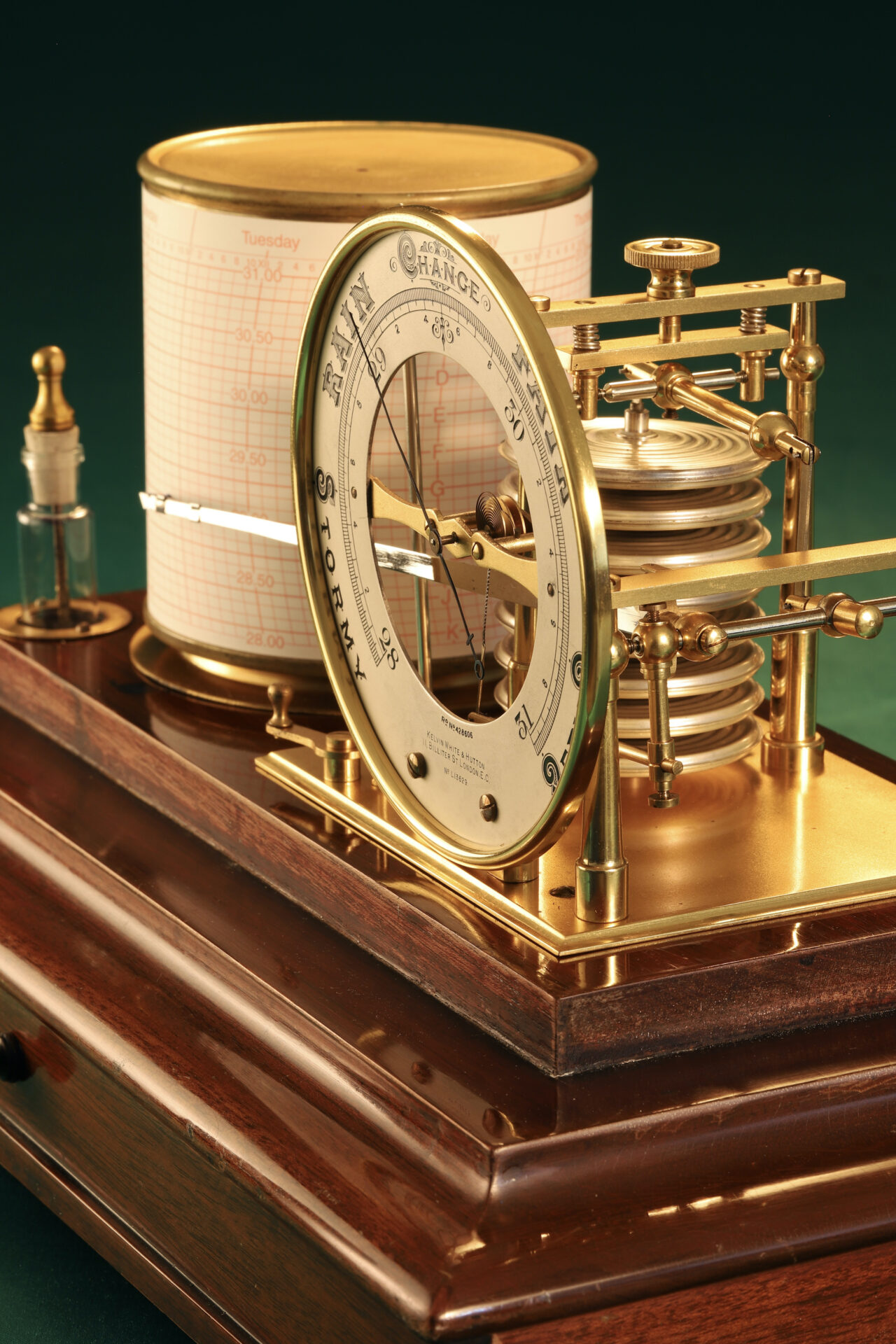 Image of Short & Mason Barograph No L13629 c1930 taken from righthand side with lid removed