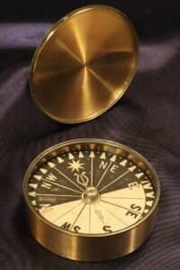 Image of Explorers Singers Patent Compass c1870 and lid