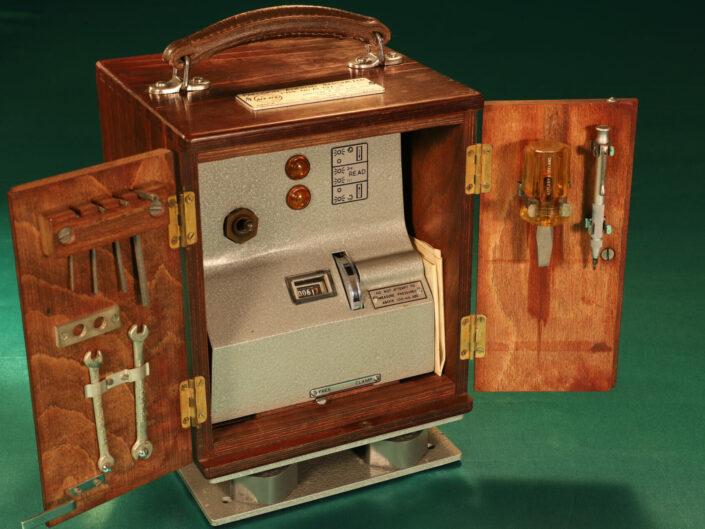 APPLEBY & IRELAND PRECISION ANEROID BAROMETER TYPE AI 792 IN ORIGINAL CASE c1965