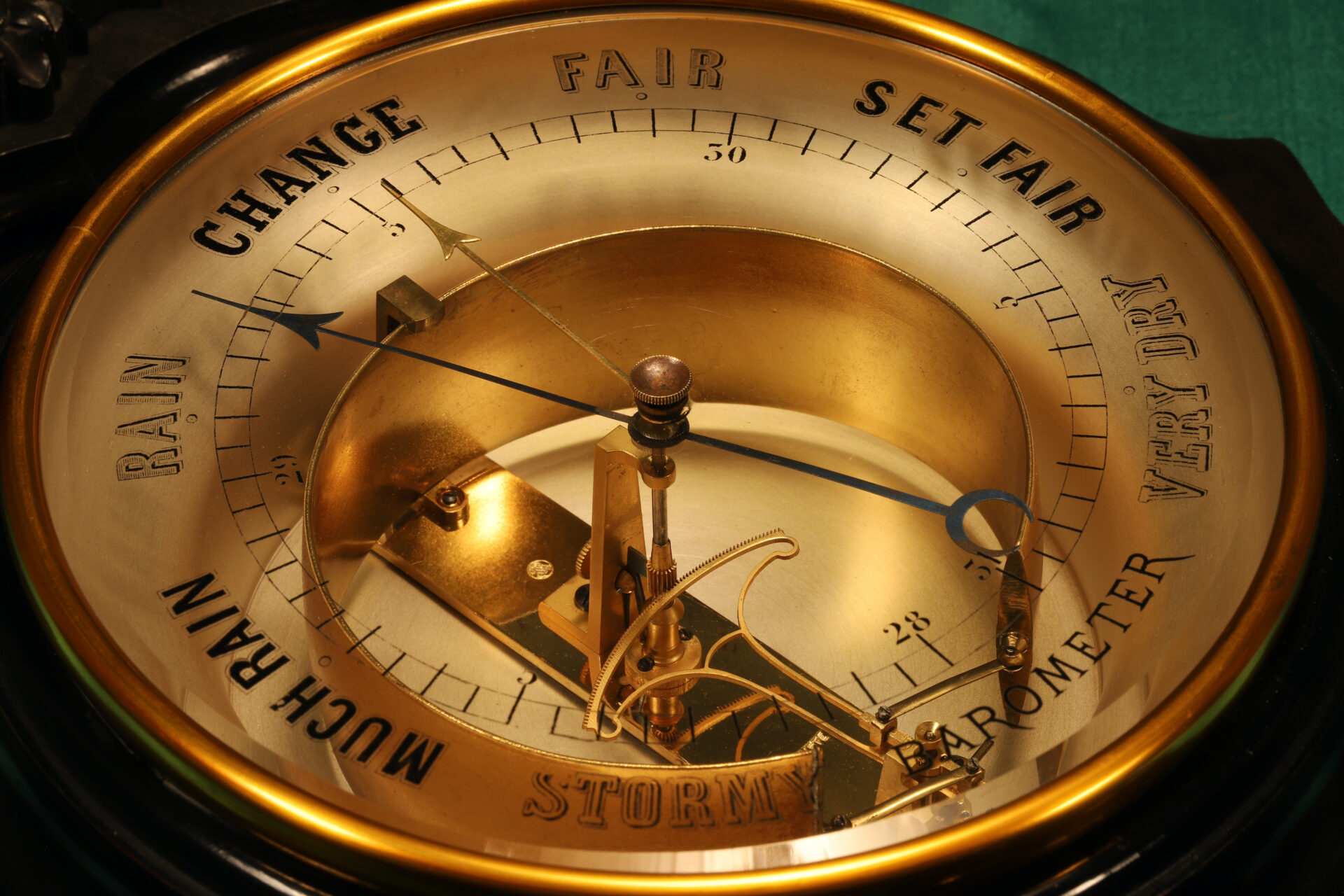 Close up of dial and movement for Jules Richard Bourdon Barometer No 45028 c1900