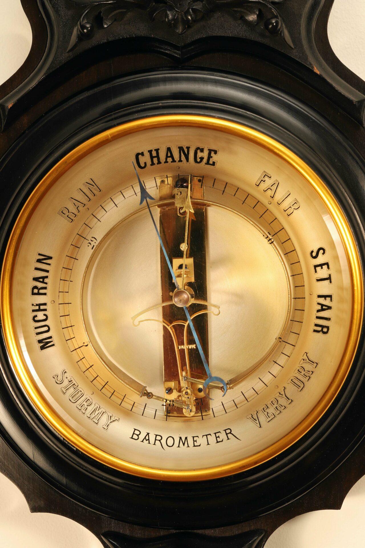 Image of dial from Jules Richard Bourdon Barometer No 45028 c1900