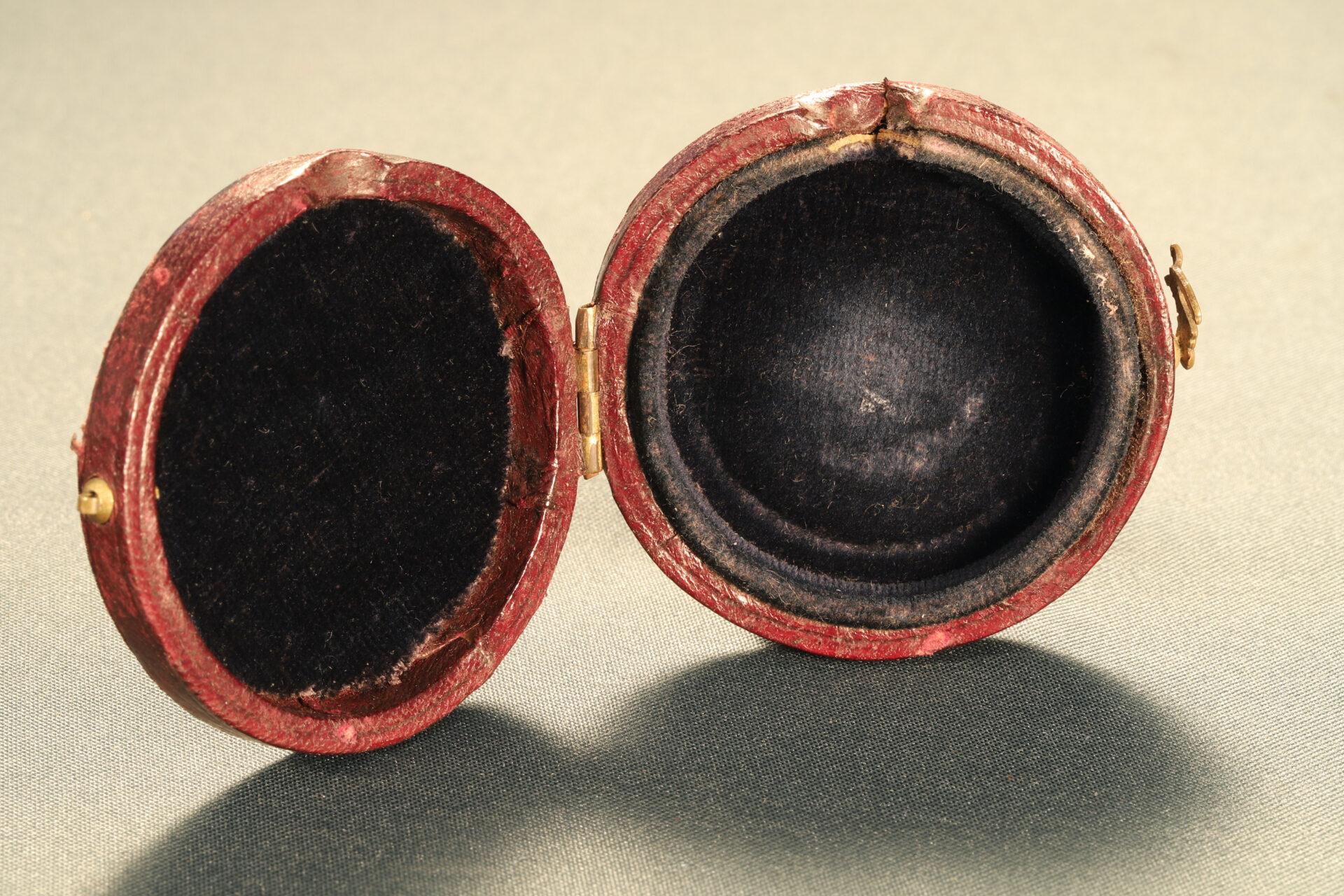 Image open travel case for Barker Radiant Transparent Pebble Lens Compass c1910