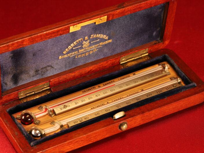 NEGRETTI & ZAMBRA PORTABLE STANDARD MAXIMUM AND MINIMUM THERMOMETERS c1915 - Sold