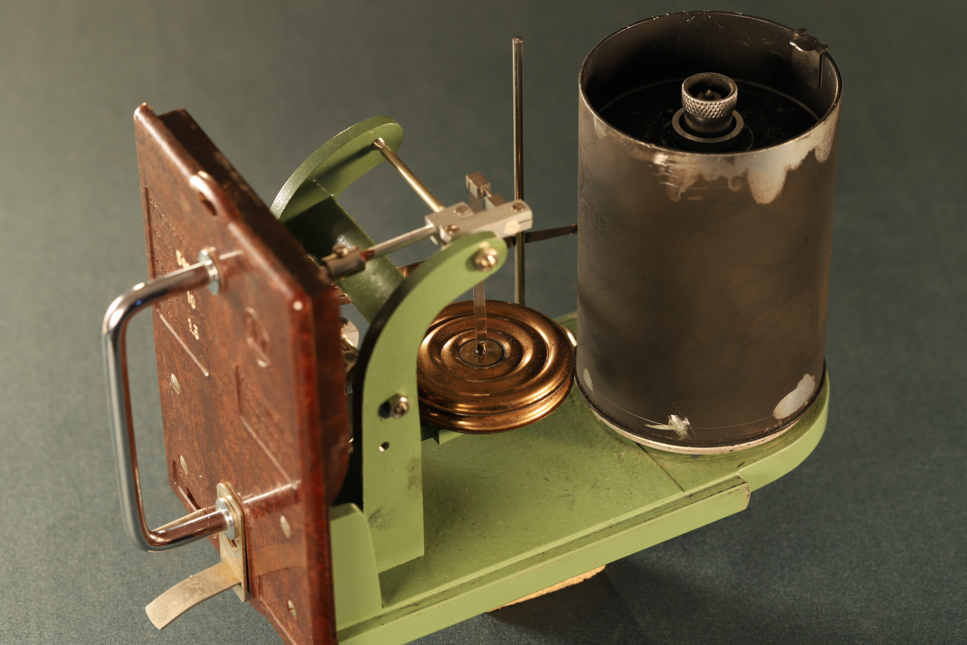 Image of movement of Winter Height Recorder No 59635 c1930 taken from rear